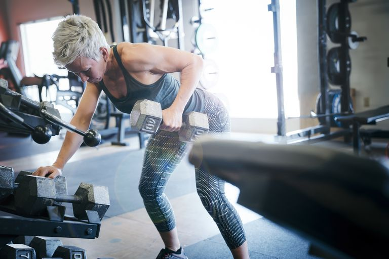 Woman doing a dumbbell row