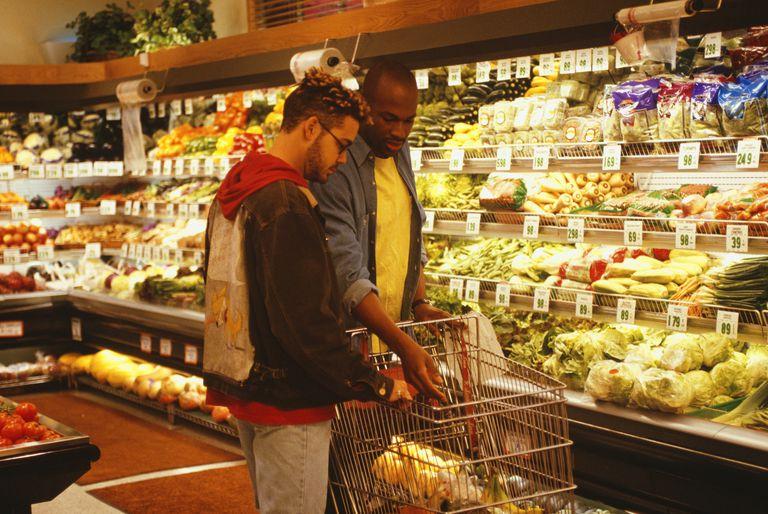 men grocery shopping