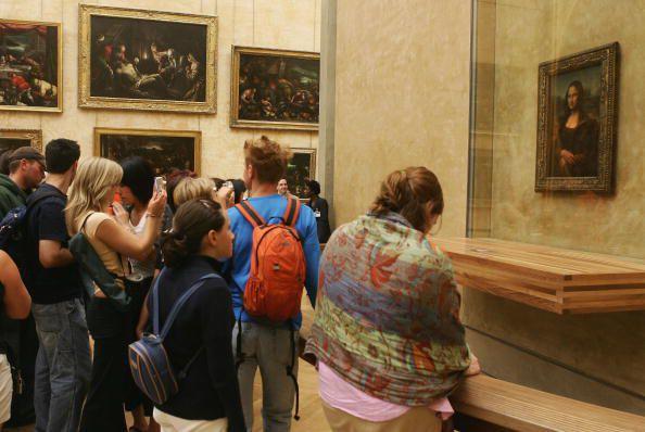 Leonardo da Vinci's the Mona Lisa at the Louvre Museum, Paris