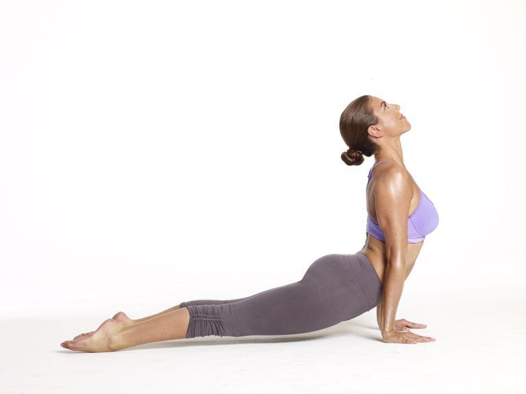 hotyogawear.jpg//yoga pose