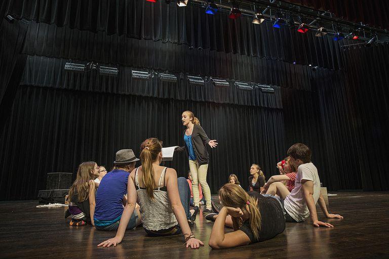 arts-build-confidence-art-programs-private-schools
