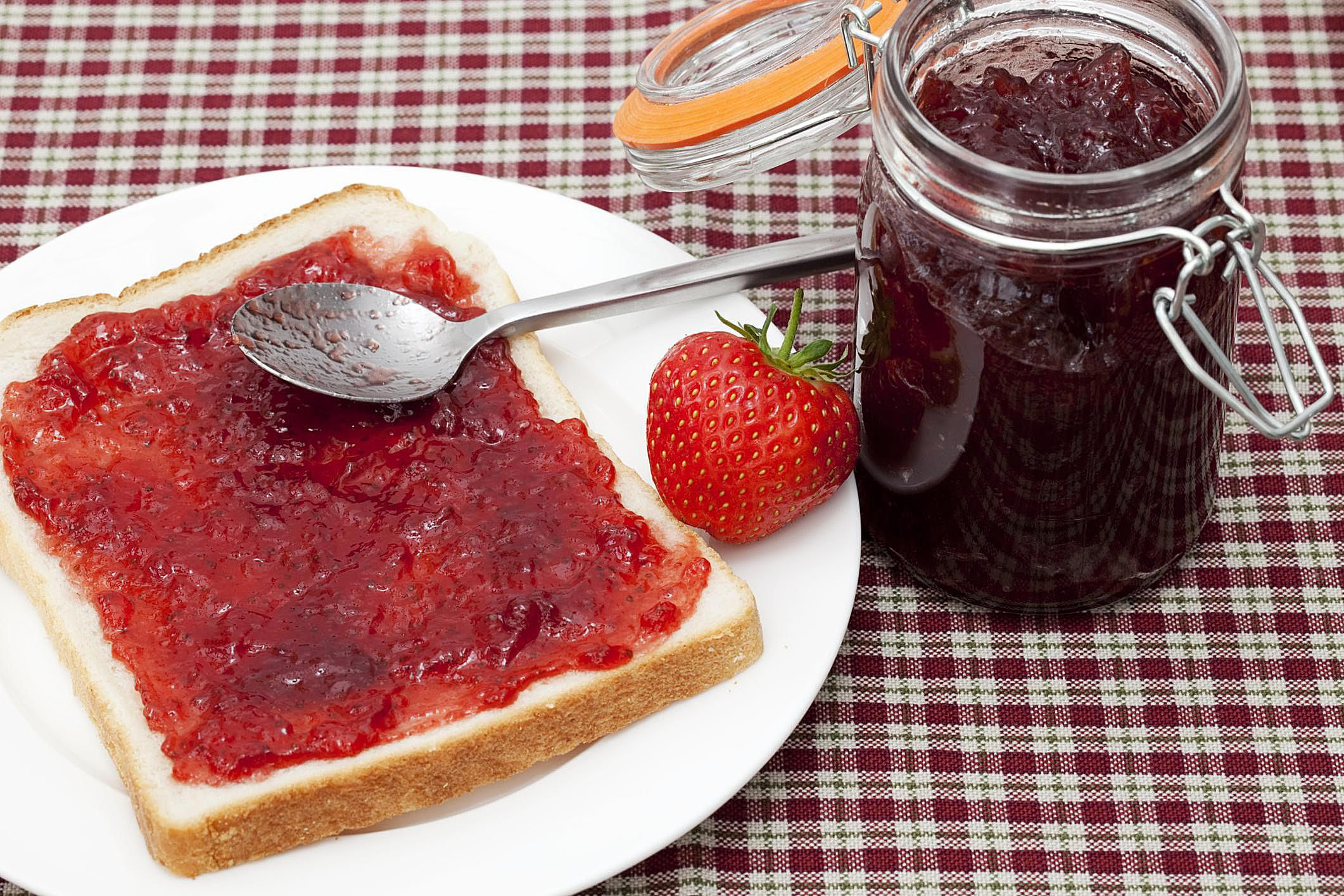 Strawberry jam with homemade pectin recipe for Pectine cuisine
