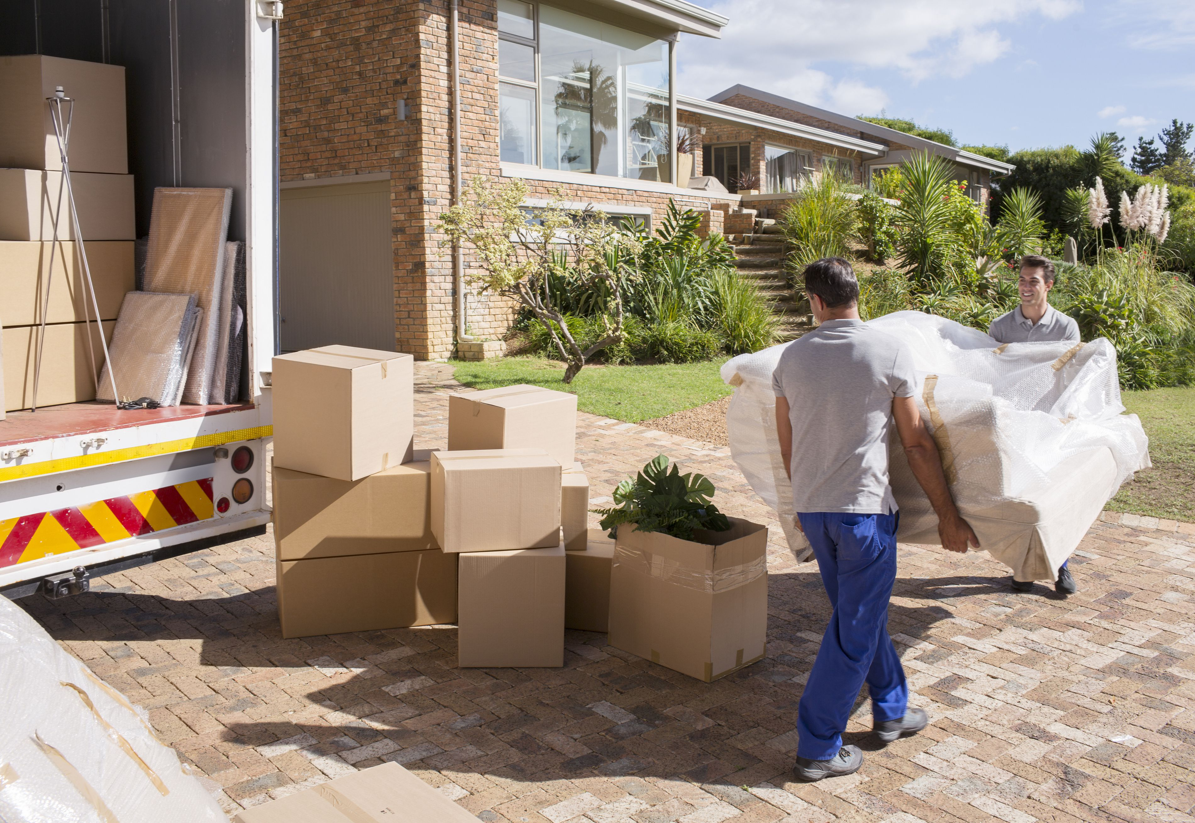 How to pack your dishes glassware when moving should you hire packers to pack your home when moving arubaitofo Choice Image