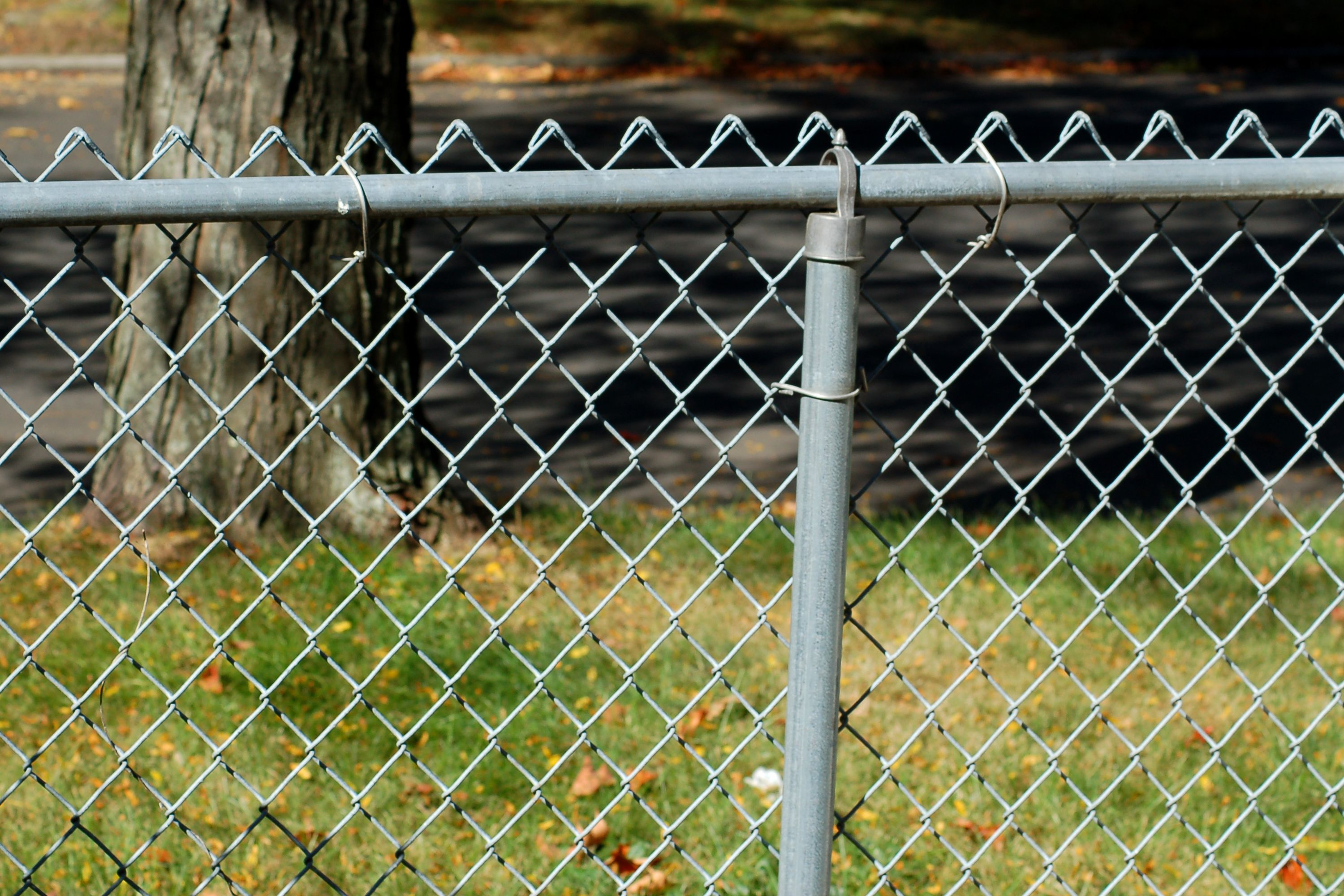 Why chain link fences make the best security fencing baanklon Images