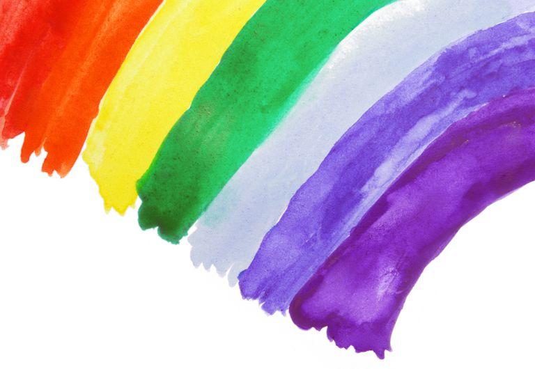 Pintura infantil de un arcoíris