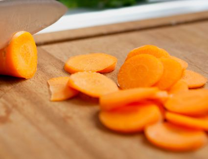 how to cook raw carrots in the microwave
