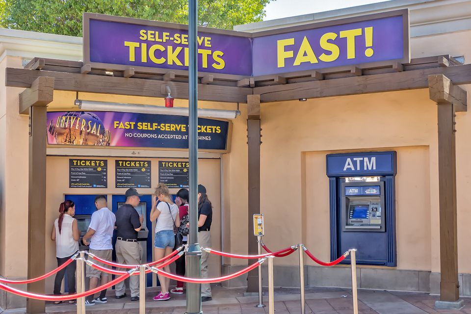 Buying Tickets at Universal Studios Hollywood