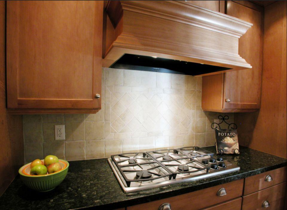 Kitchen Designs That Use Wood