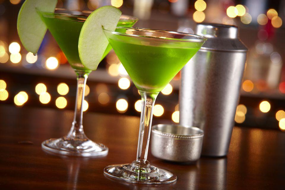 Apple martini cocktails