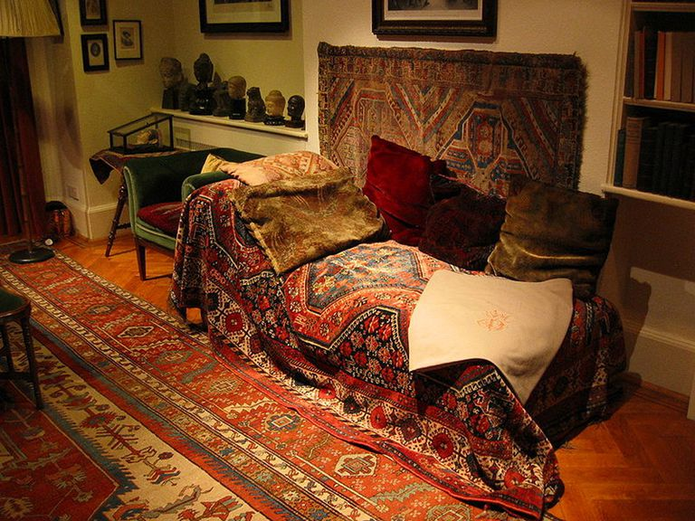 Freud's psychoanalysis couch