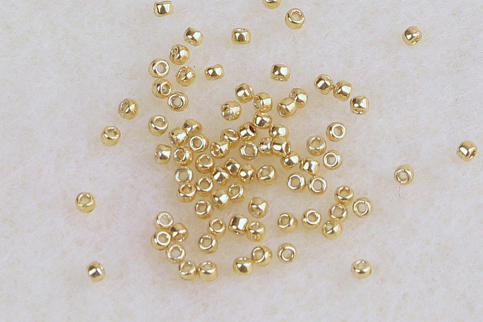 78-15-0-seed-beads.jpg