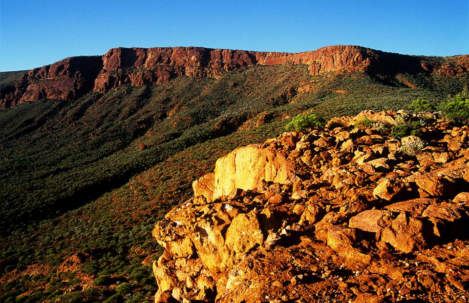 Escarpment on Mt Augustus, Mt Augustus National park, Western Australia.