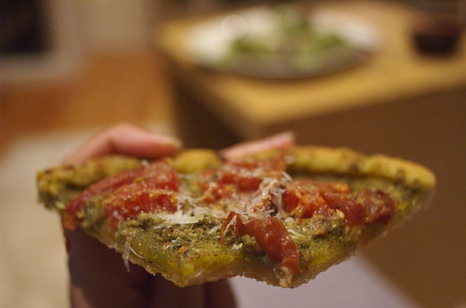 Cornmeal pizza crust