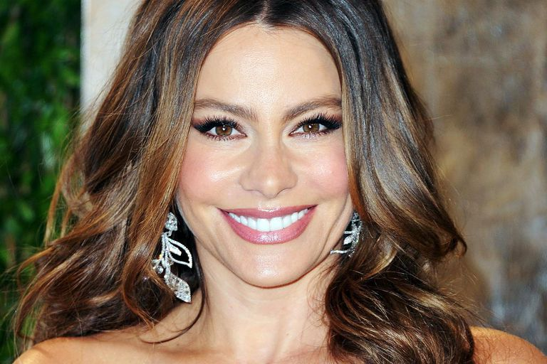Actress Sofía Vergara arrives at the 2012 Vanity Fair Oscar Party hosted by Graydon Carter at Sunset Tower on February 26, 2012 in West Hollywood, California.