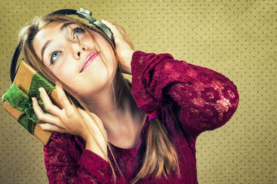 7 Sources for Free Christmas Music Downloads