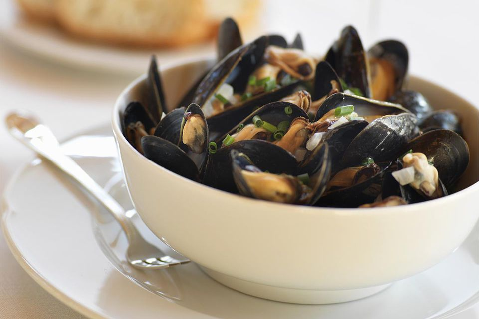 Bowl of steamed mussels