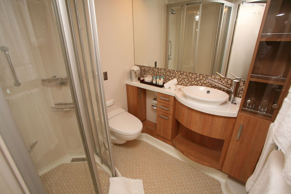Celebrity cruise eclipse staterooms