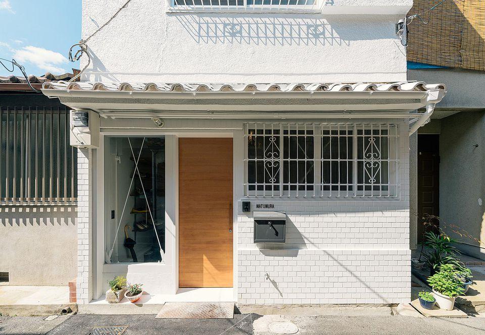 Exterior_townhouse_re-toyosaki-coil-kazuteru-matumura-architects_004.jpg