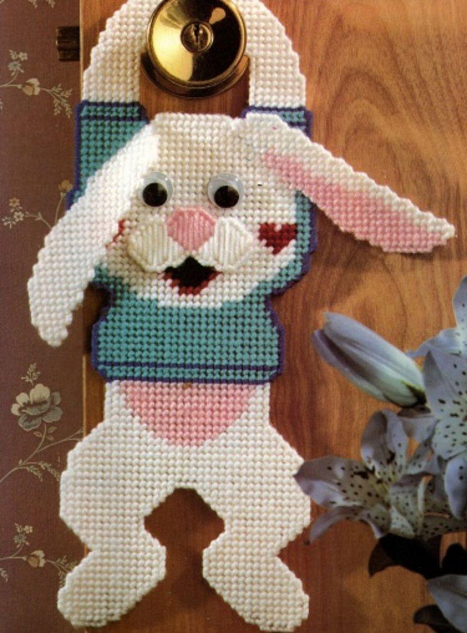 bunny door hanger pattern on plastic canvas