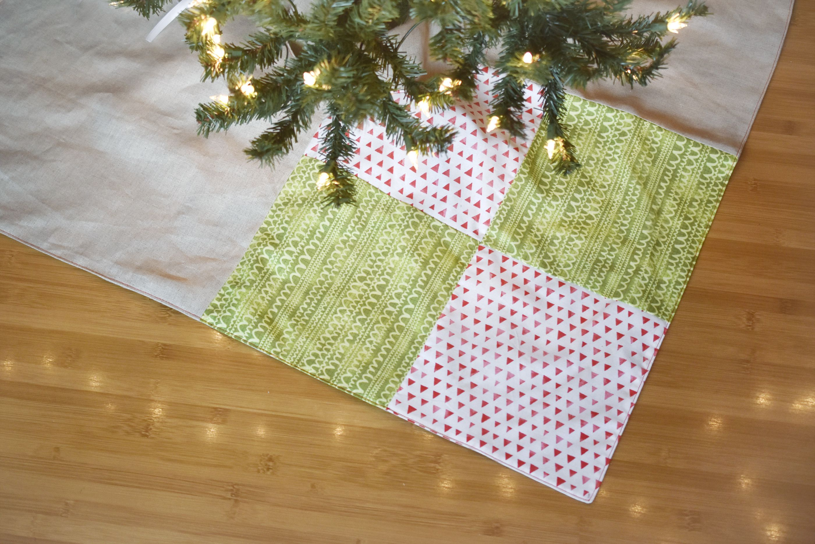 Sew A Simple Patchwork Christmas Tree Skirt