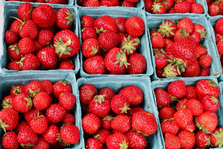Red strawberries for lesson on Spanish names for fruits