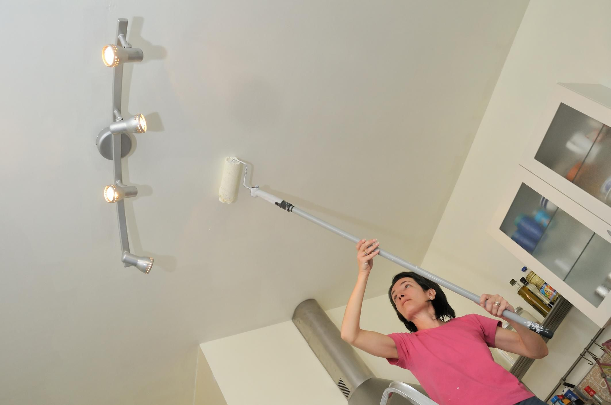 Painted ceiling ideas learn the best way to paint a ceiling dailygadgetfo Image collections