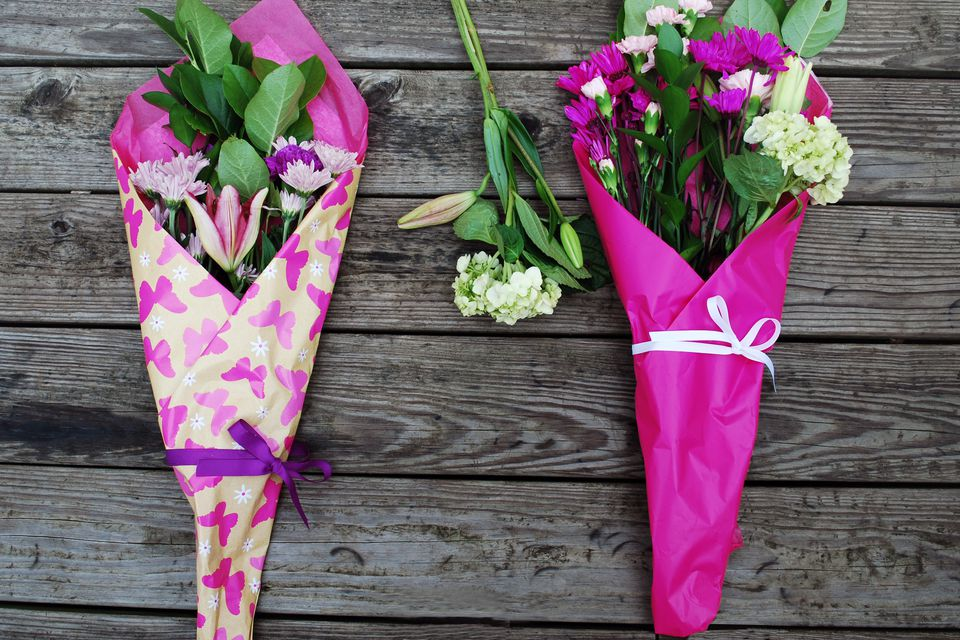 Make your own gift wrap for bouquets