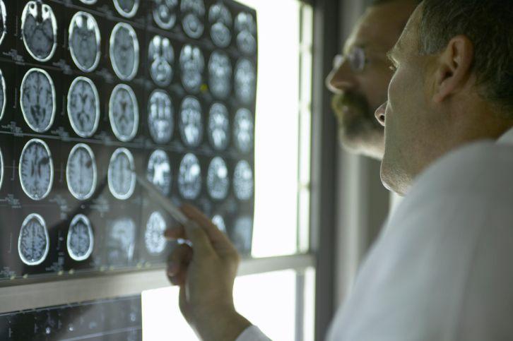 Doctors Examine MRIs