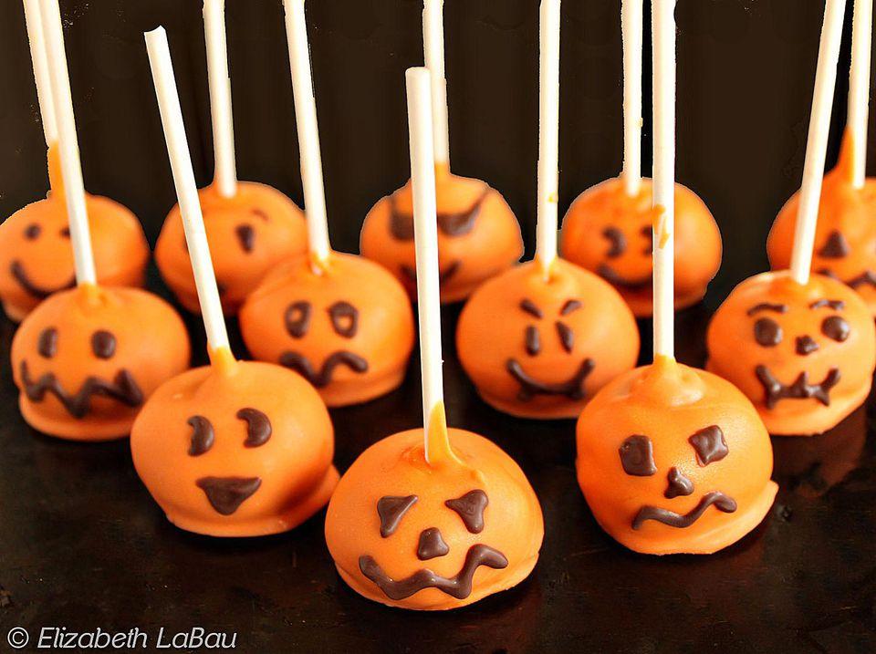 Festive Pumpkin Cake Pops Recipe
