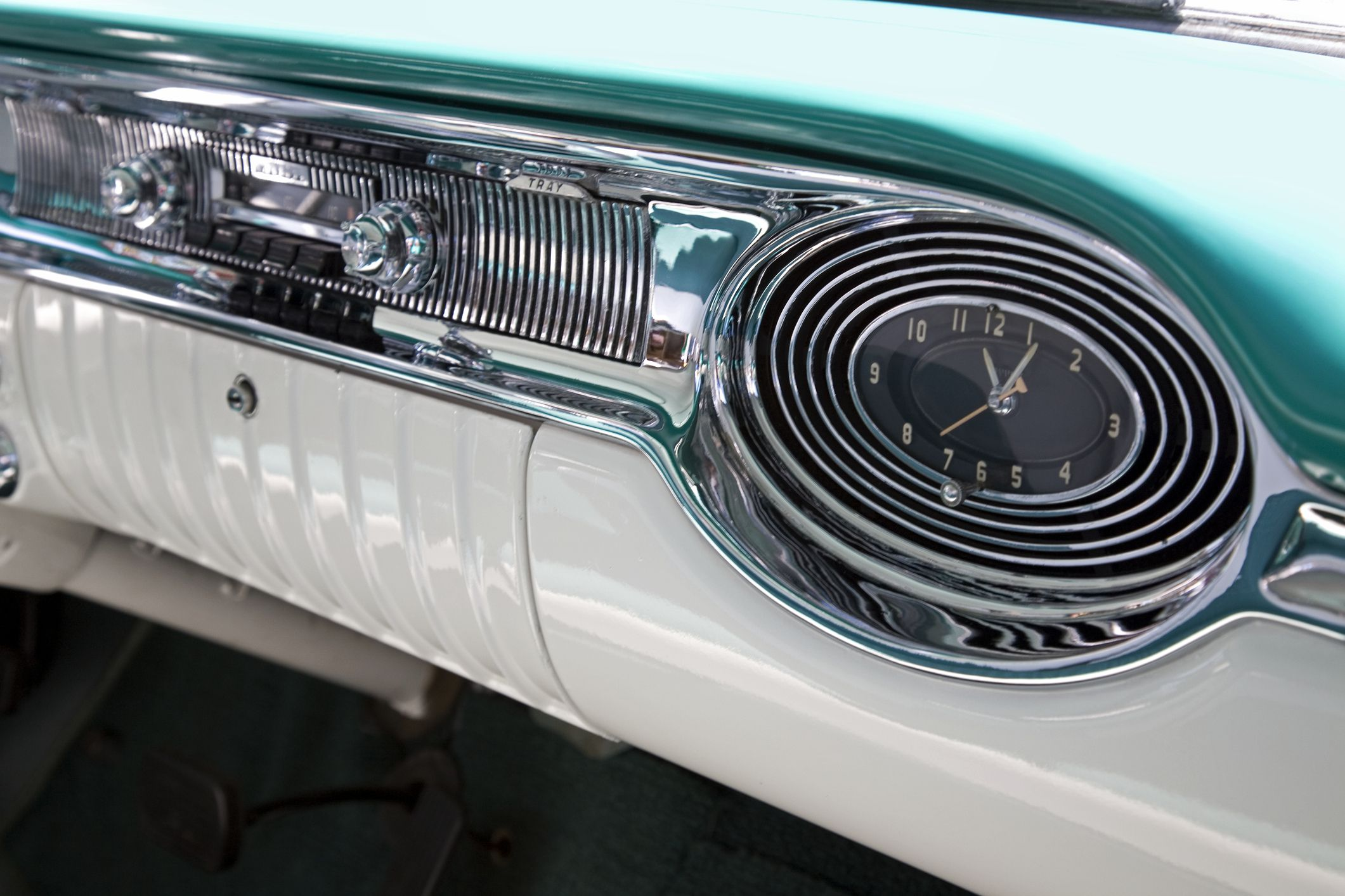 Classic Car Radio Replacement Options