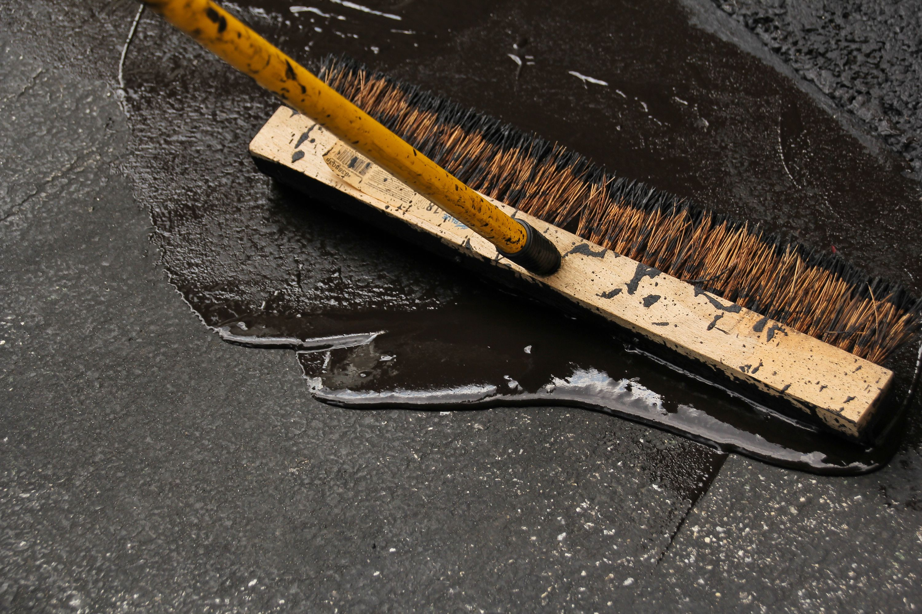 How to seal a driveway and fix cracks solutioingenieria Choice Image