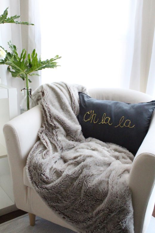 Diy Gold Throw Pillow : 8 Easy Throw-Pillow DIYs for Your Home