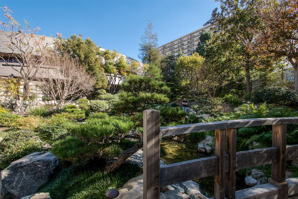 Los Angeles Japanese Garden: Beautiful Public And Botanical Gardens In Los Angeles