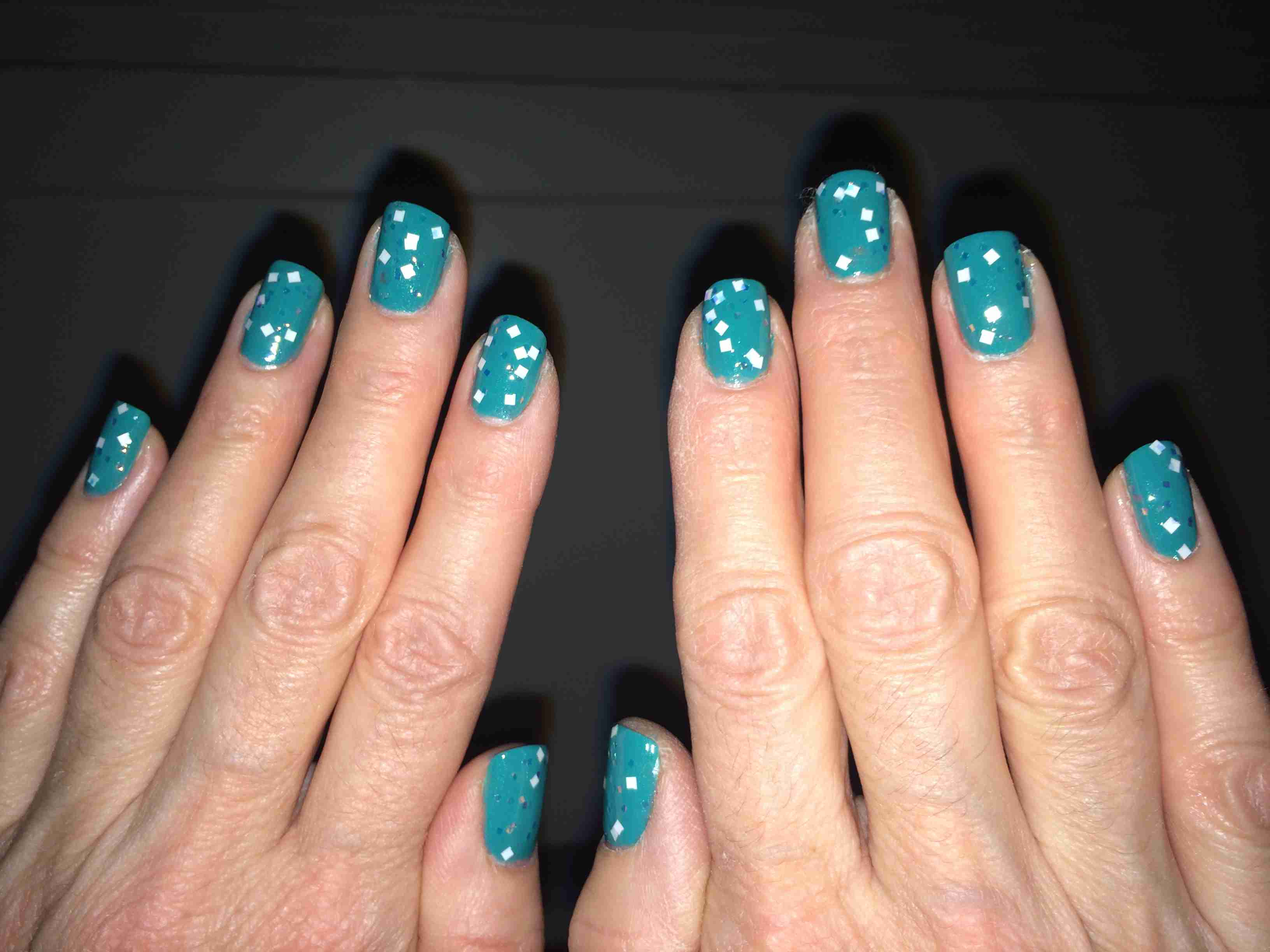 How to Make Glow in the Dark Nail Polish