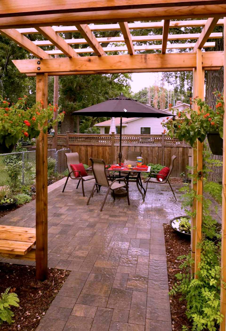 25 Perfect Patio Paver Design Ideas on Small Backyard Brick Patio Ideas id=26119