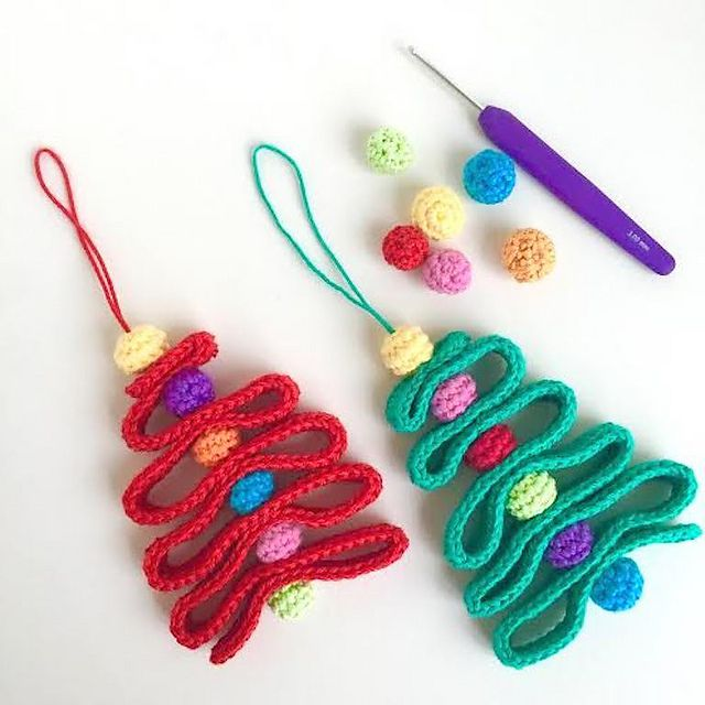 12 cute free christmas ornament crochet patterns ribbon christmas tree free crochet ornament pattern dt1010fo