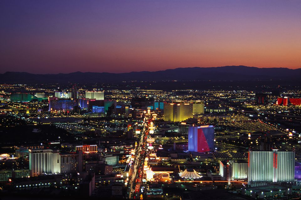 how to get cheap last minute flights to vegas