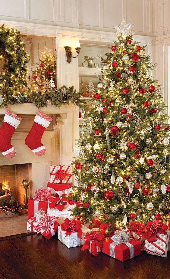 Everything you need to decorate your christmas tree How do you decorate a christmas tree