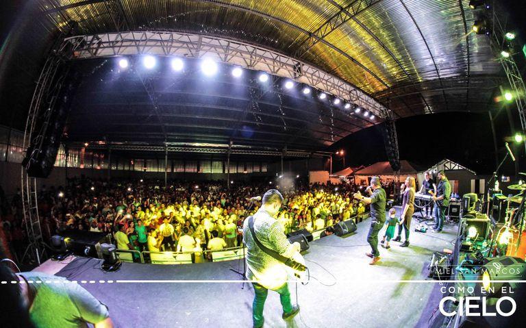Miel San Marcos en concierto