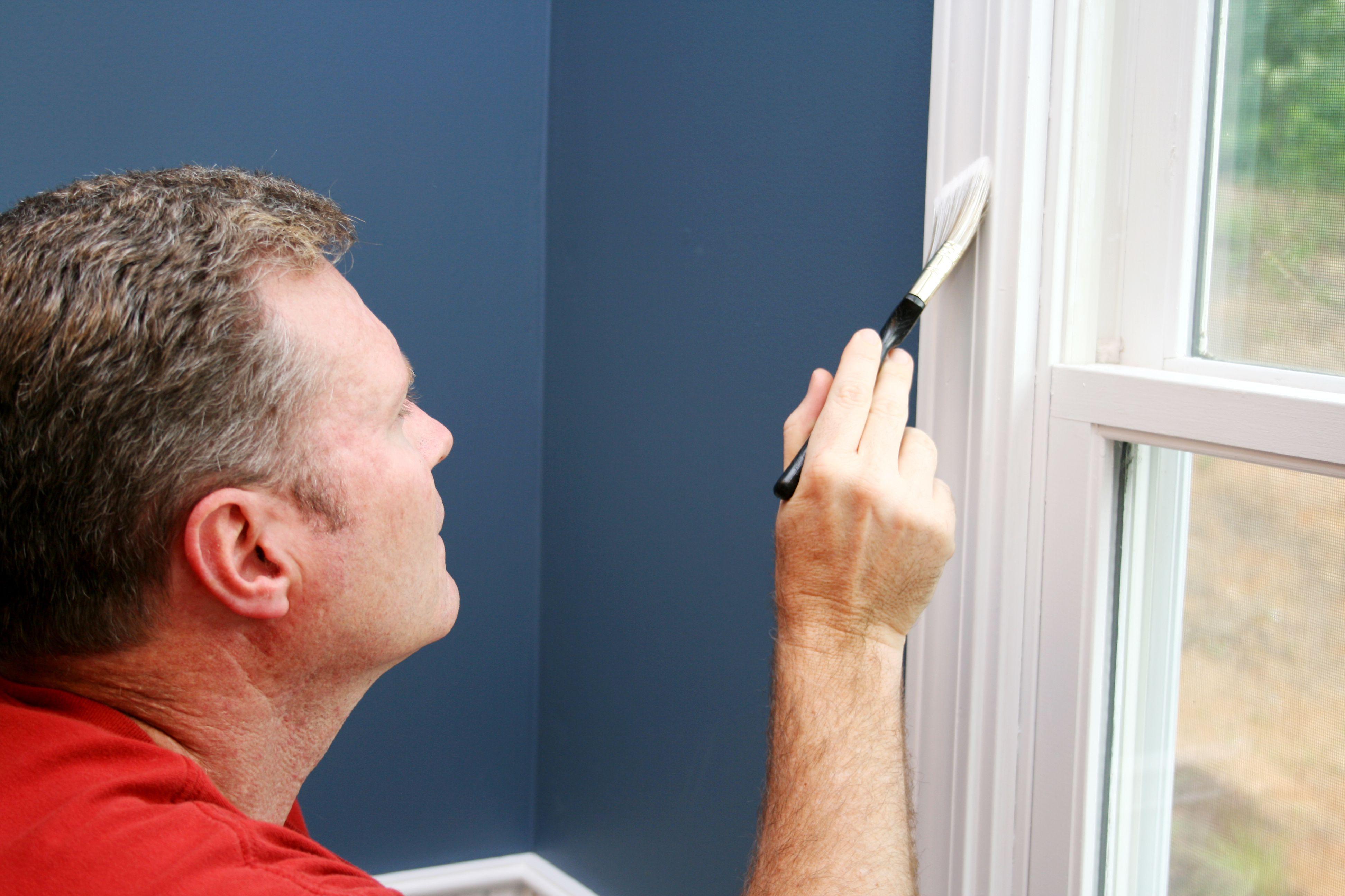 Покраска окон и дверей своими руками