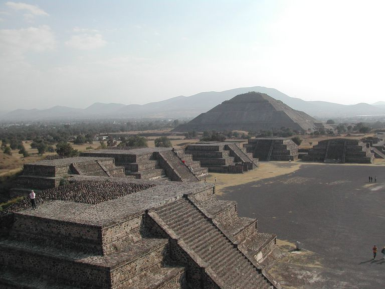 Teotihuacán, from the Pyramid of the Moon to the Pyramid of the Sun