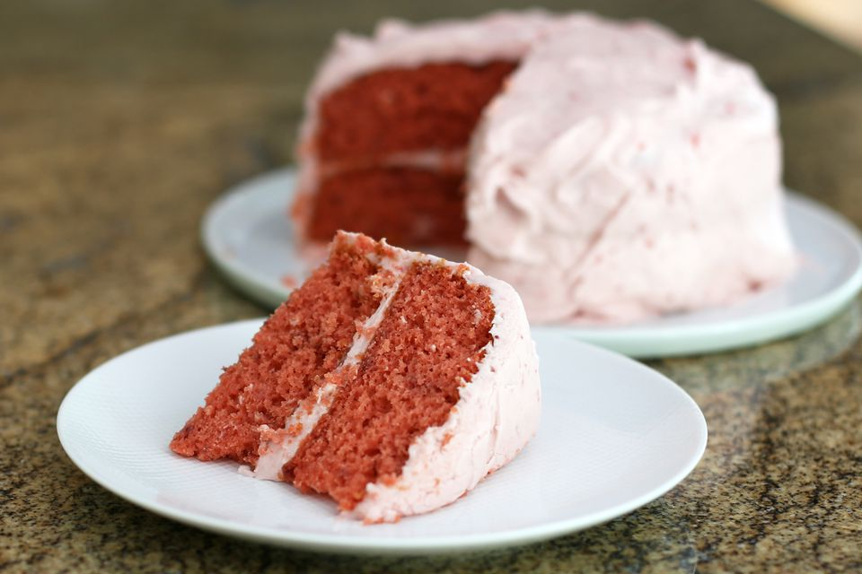 Strawberry Cake and Cream Cheese Frosting