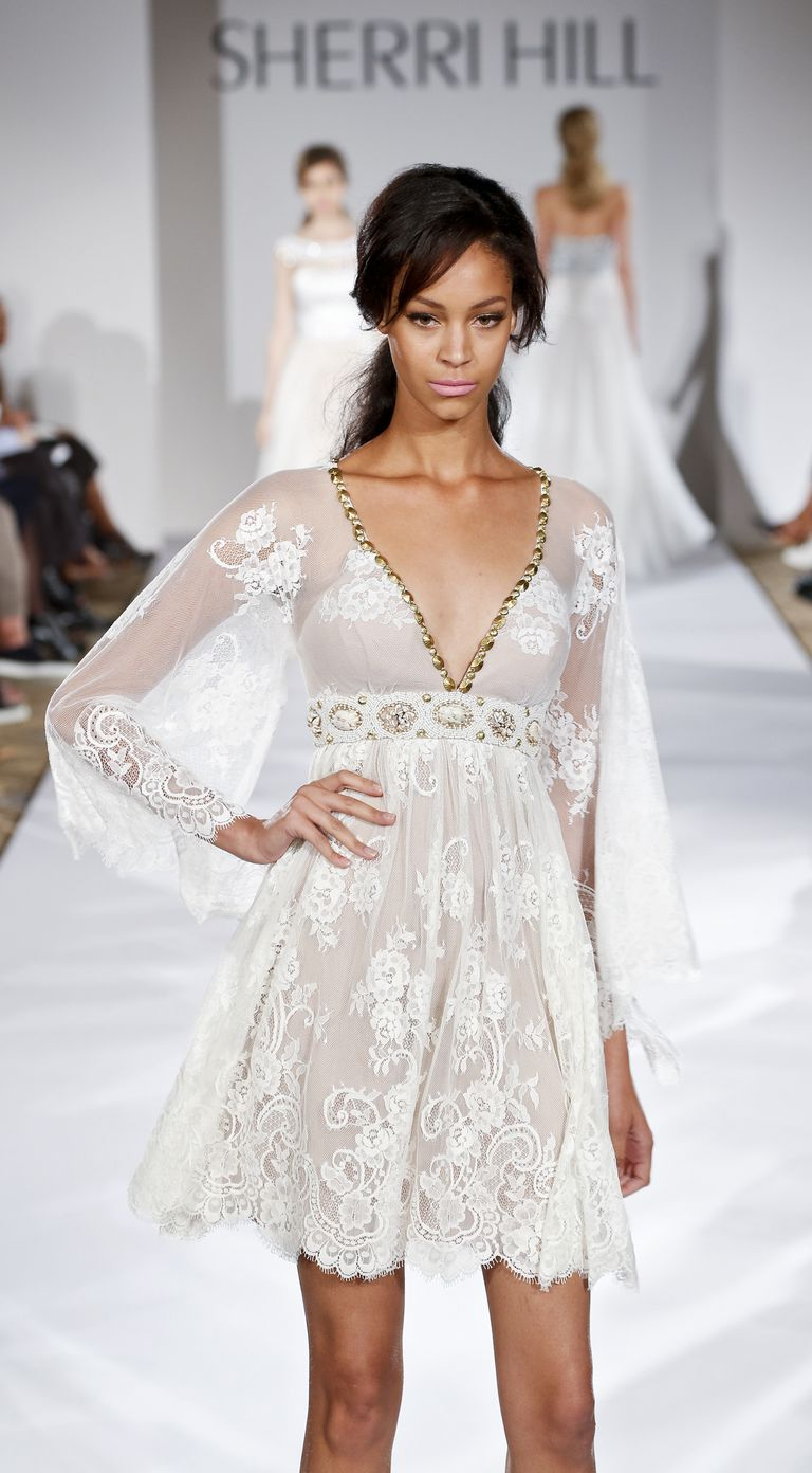 How to make your arms look thinner in a dress for Wedding dresses that make you look skinny