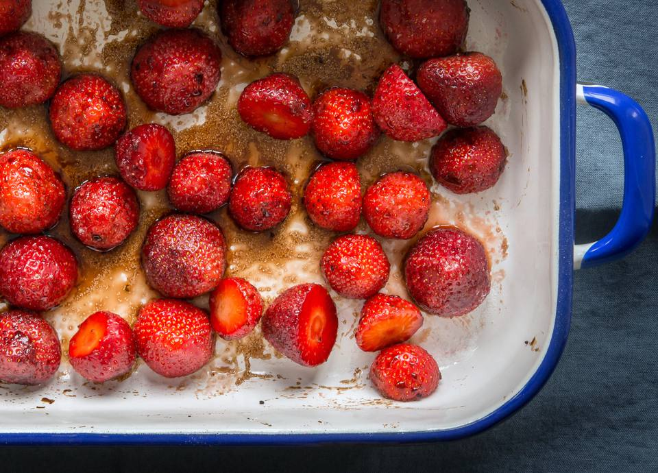 roasted-balsamic-strawberries
