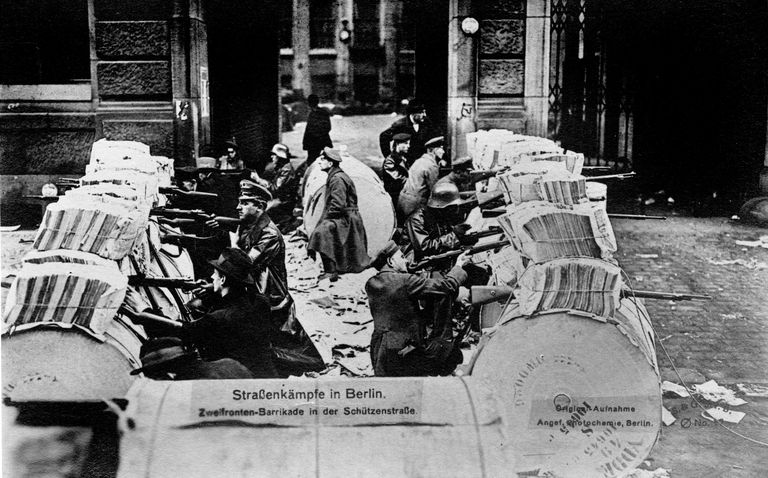 Barricades in Schützenstraße, 1918