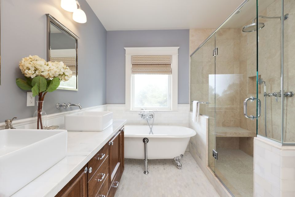 Stand Up Shower Tub Combo.  Walk in Shower vs Tub Which Should You Choose