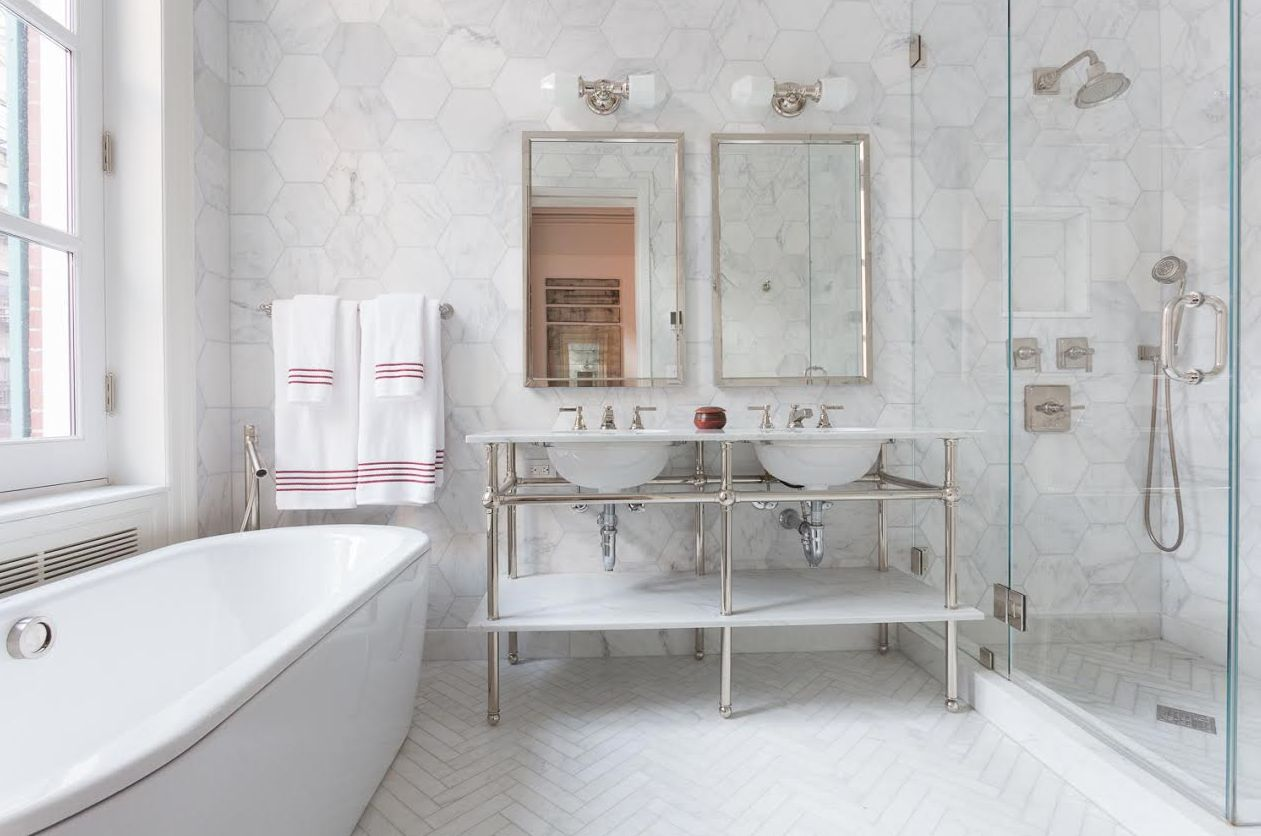 The best tile ideas for small bathrooms dailygadgetfo Image collections
