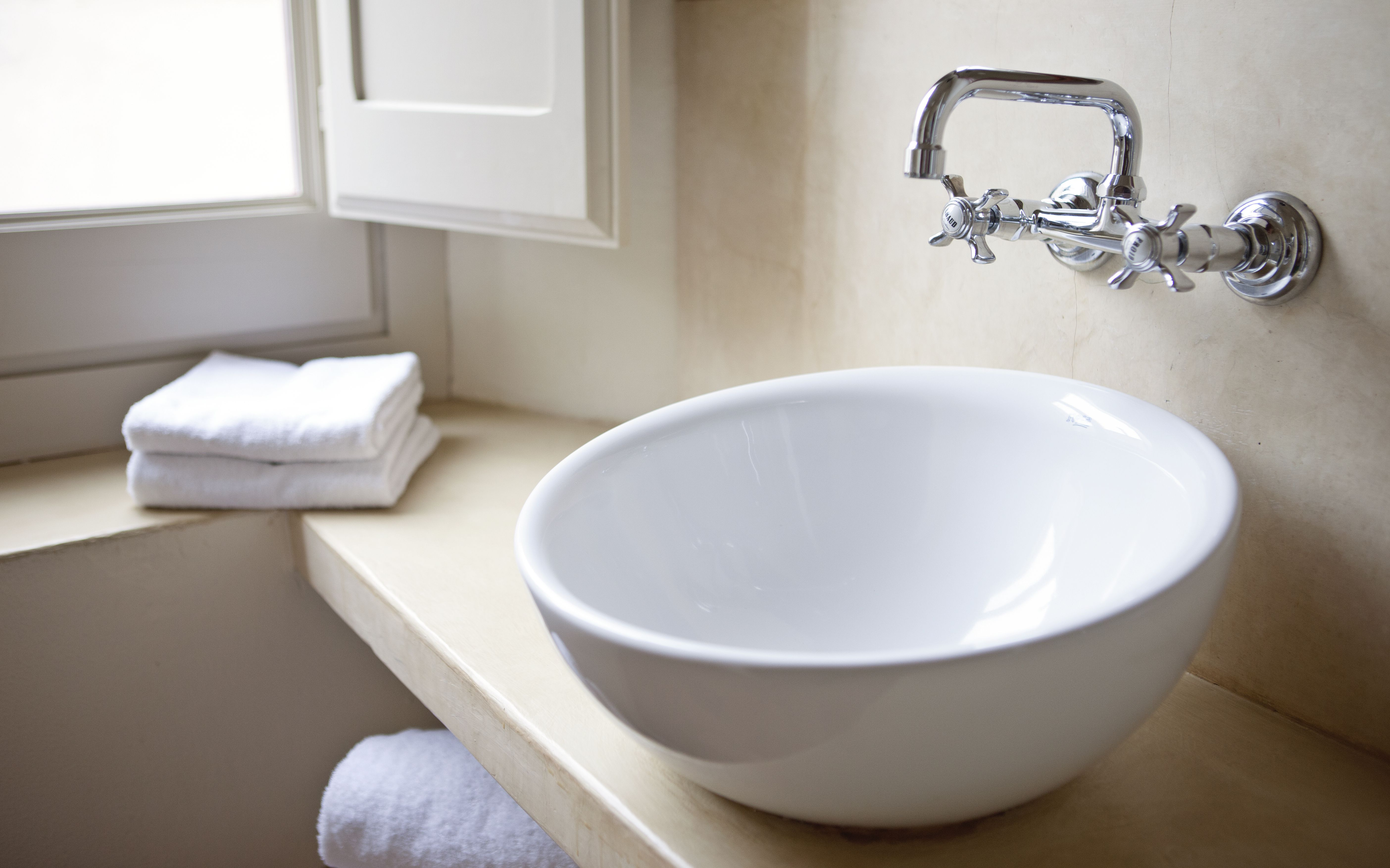 Bathroom Sink, CeraStyle 080500-U, Rectangular White Ceramic Wall Mounted  or Vessel Bathroom