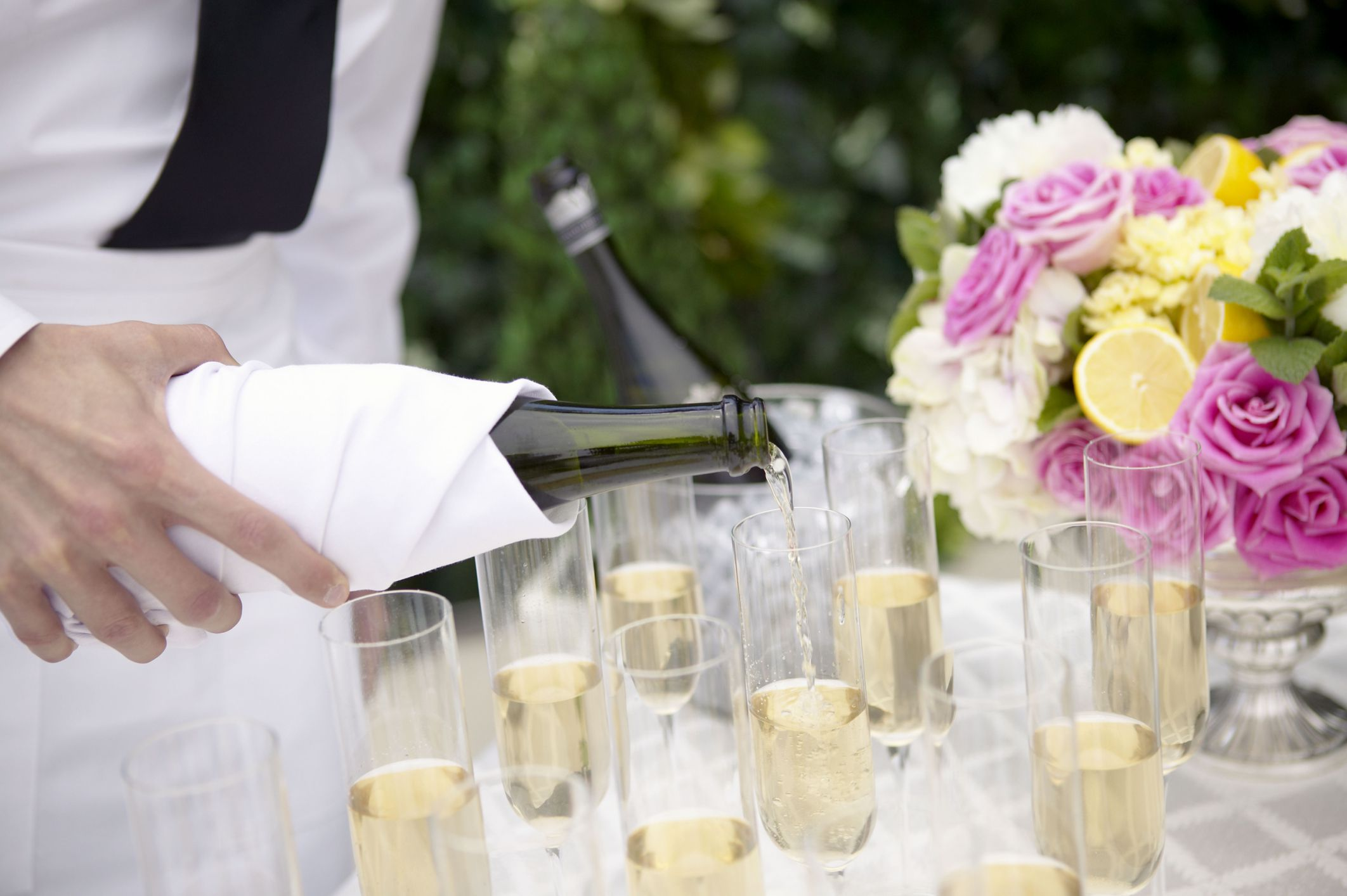 Serving Champagne And Wine At Your Wedding