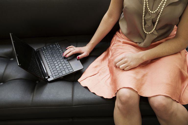 Woman taking fertility quiz online